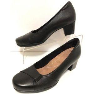 Clarks Black Leather Pumps High Heels Size 7.5